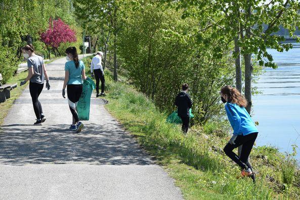 RCW-Jugend bei Flurreinigungaktion der Stadt Wels 2021